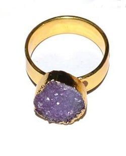 Δαχτυλίδι από αμέθυστο σε κυκλικό σχήμα
