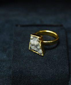 Δαχτυλίδι από λευκό χαλαζία