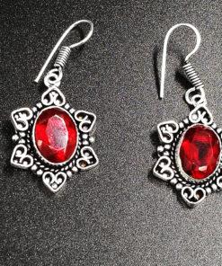 σκουλαρίκι από κόκκινο γρανάτη