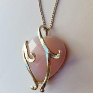 Κολιέ ροζ χαλαζία σε σχήμα καρδιάς