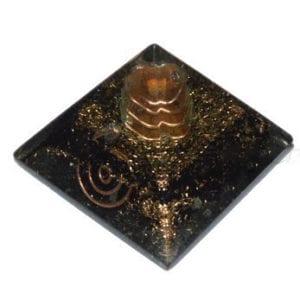 πυραμίδα οργονίτη με μαύρη τουρμαλίνη