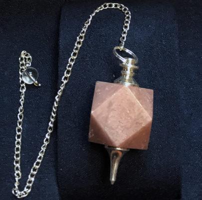 Αragon: Εκκρεμές πολύγωνο αραγωνίτη για θεραπεία